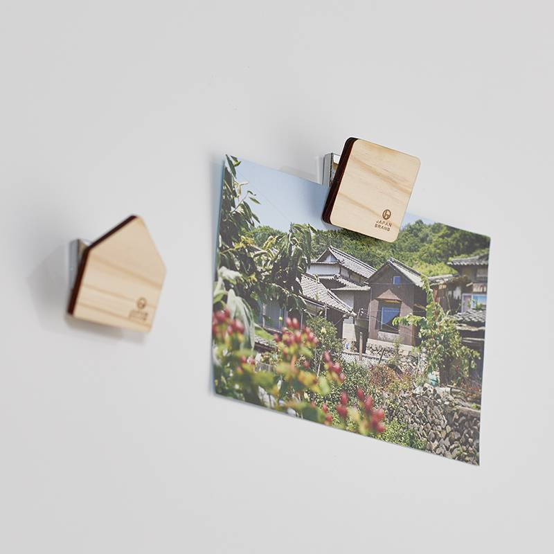 木製で邪魔しないデザインのクリップ付きマグネット