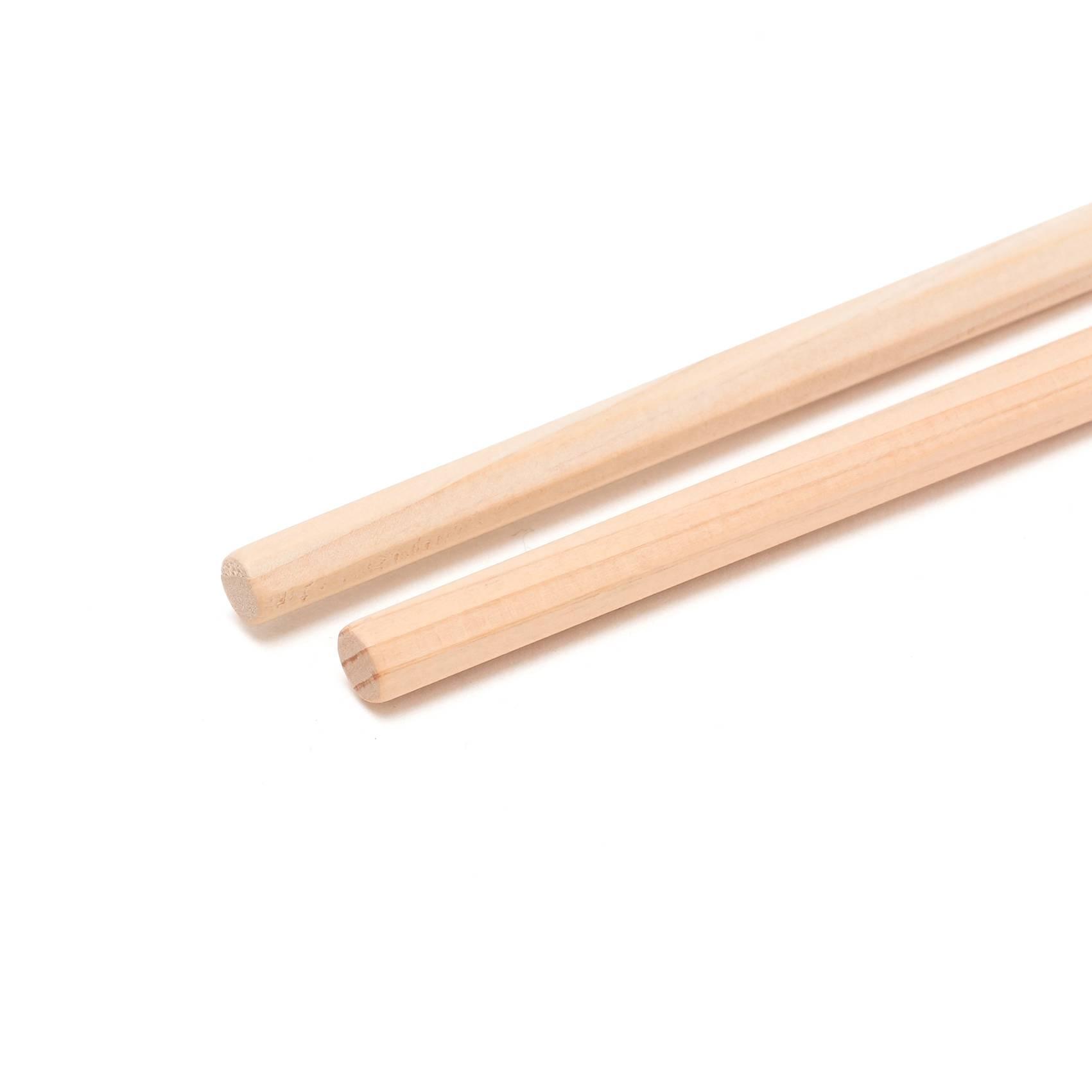 食材もしっかりつかめる木製菜箸