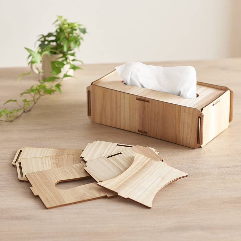やさしい色合いの木製ティッシュボックスケース