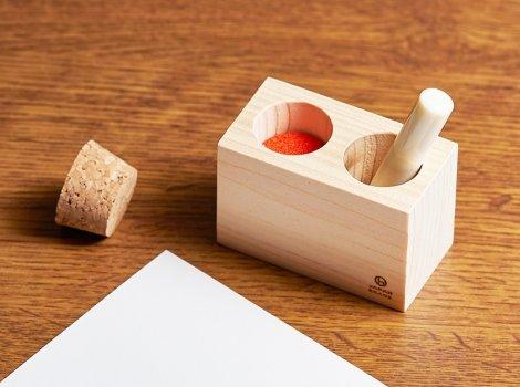 記念品におすすめの木製印鑑スタンド