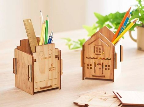 組み立てを楽しむ木製ペンスタンド