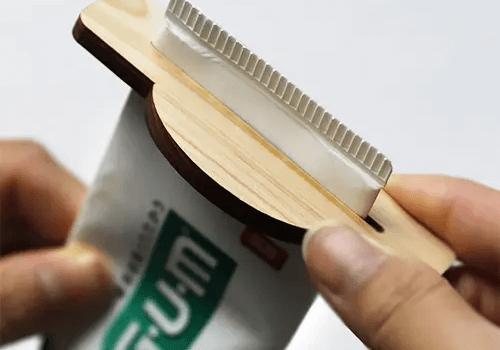 国産ヒノキ間伐材の木製チューブ絞り