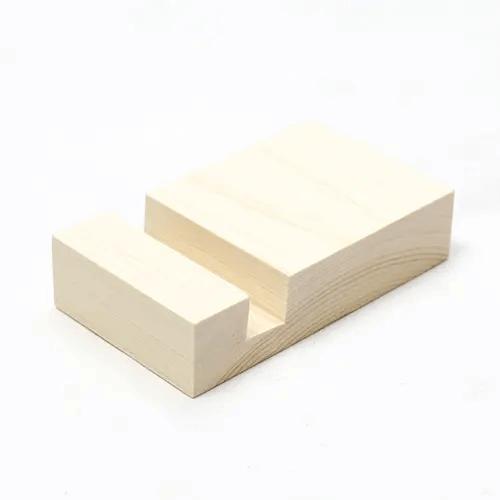 国産ヒノキの間伐材で製作